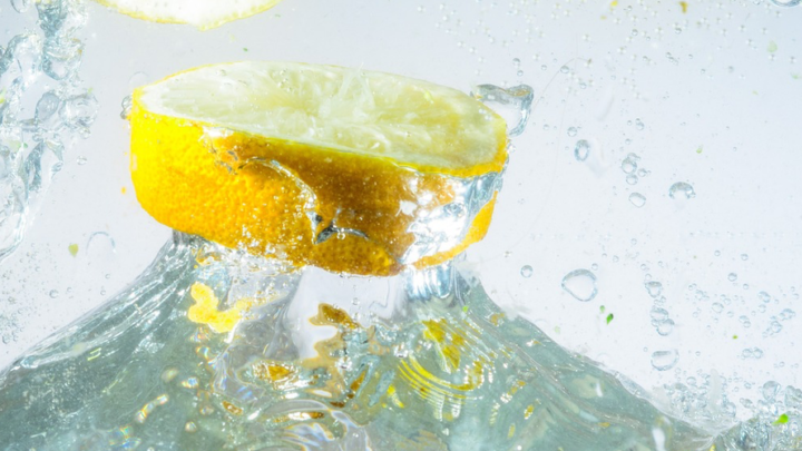 Et si on buvait un verre d'eau citronné le matin ?